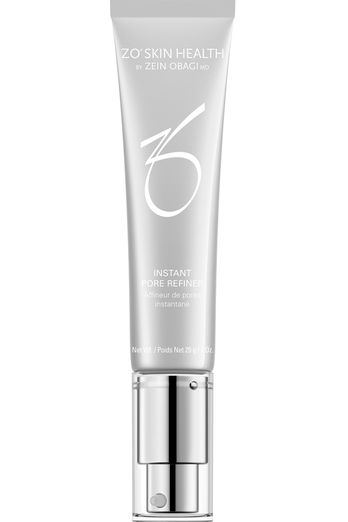 This lightweight serum minimizes the appearance of pores. It features a dual-action formula which works to eliminate surface shine for an instantly matte finish.
